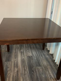 High Seated Dining Table with 4 chairs NO LOWBALLERS for Sale in Las Vegas,  NV