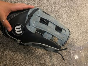 14 inch softball glove, mitt for Sale in Renton, WA