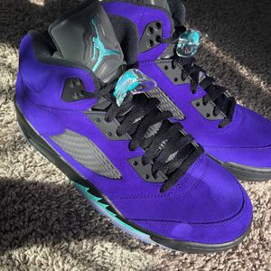 Air jordan 5 Alternate Grapes Size 10 DS for Sale in Puyallup, WA