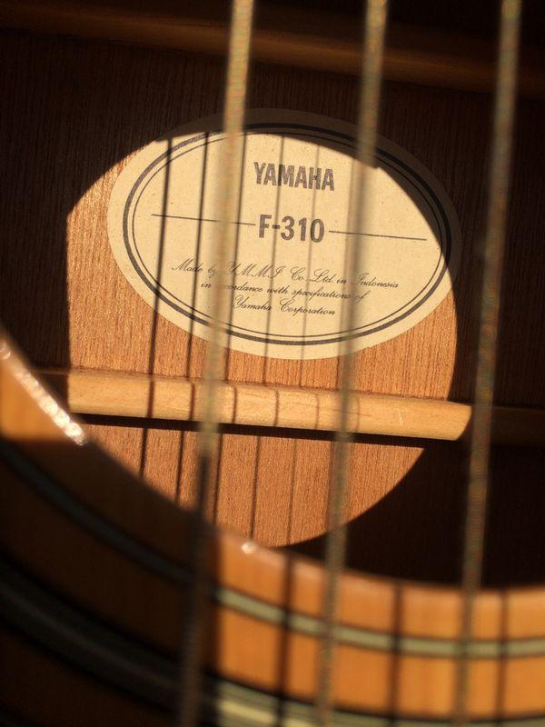 Yamaha F-310 acoustic