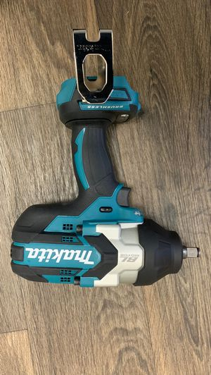Makitta impact wrench 18V brushless motor model XWT08 TOOL ONLY IT DOES NOT INCLUDES BATTERY OR CHARGER $240 for Sale in Atlanta, GA