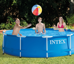 Intex Pool outdoor for Sale in Suisun City, CA