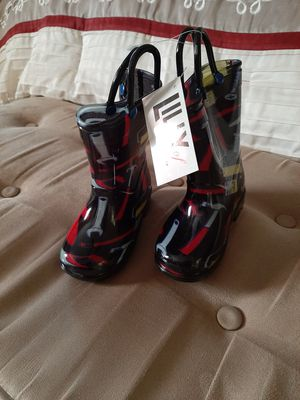 Lily rain boots for Toddler for Sale in Winston-Salem, NC