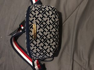Tommy Hilfiger Waist Fanny Pack Belt Bag Unisex Xbody with Pockets for Sale in Denton, TX