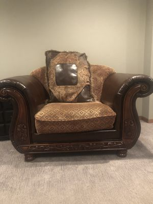 Homey Design couch for Sale in Sioux Falls, SD