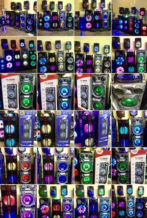 Speaker Bluetooth nuevos modelos y buenos precios garantía recargables para la playa for Sale in Hialeah, FL