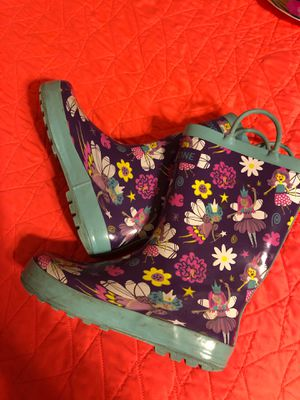 Girls rain boots sz 2 for Sale in Valrico, FL