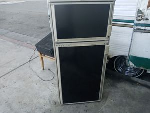 Domestic rm2607 frigerator for Sale in Wilmington, CA