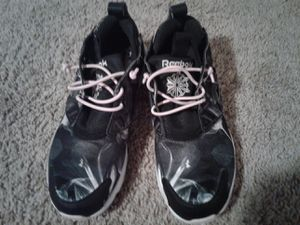 Women's Reebok size 6 for Sale in Glen Burnie, MD