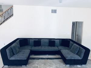 Couch/Sectional 5 piece designer for Sale in Las Vegas, NV