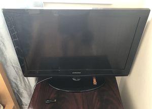 "Samsung - 32"" Class - LED - J4000 Series - 720p - HDTV plus Google Chromecast (1st Generation) - Wi-Fi for Sale in Chicago, IL"