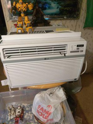 LG energy star air conditioner 12,000 BTUs for Sale in Kalamazoo, MI