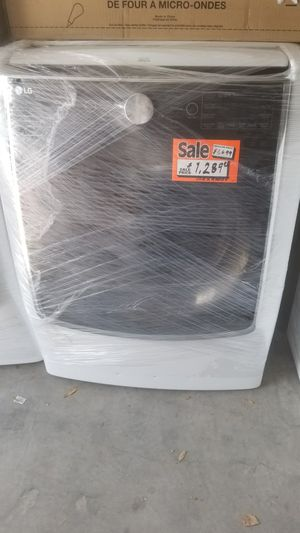 BRAND NEW LG WASHER DIRECT DRIVE for Sale in Orlando, FL
