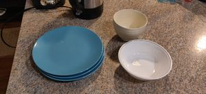 Assorted plates, tupperware and pyrex $1 each for Sale in Durham, NC