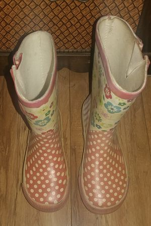 FREE GIRLS RAIN BOOTS SIZE 9/10 for Sale in Moreno Valley, CA