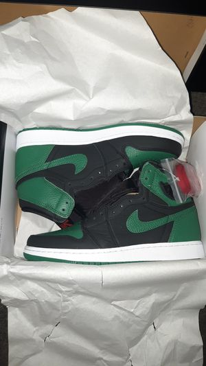 Jordan 1 Pine Green size 6.5 Youth for Sale in Castroville, CA