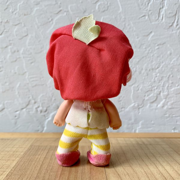 Vintage Strawberry Shortcake Baby Cherry Cuddler Collectable Doll Toy