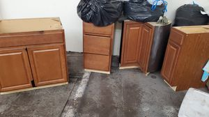 7 Kitchen cabinets perfect condition for Sale in East Bridgewater, MA