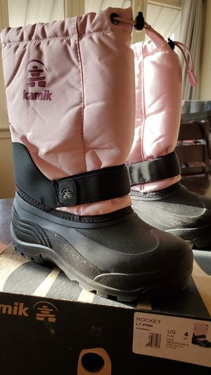 Kids Size 4 Snow Boots for Sale in Glendora, CA