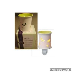 Scentsy Damsel Fireflies Plug-In Warmer NEW Retired for Sale in ROWLAND HGHTS, CA