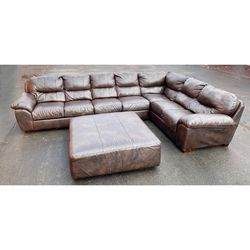 Scratched up Leather Sectional, Free Delivery for Sale in Columbus,  OH