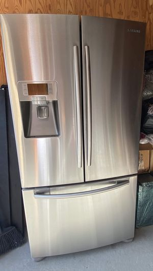 Samsung RFG238AARS 23 Cu. Ft. Counter Depth French Door Refrigerator with Exterior Water & Ice Dispenser - Stainless Steel Finish for Sale in Richmond, CA