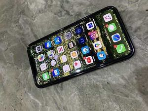 iPhone 11pro for Sale in Elk Grove Village, IL