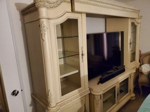 Haverty's Entertainment Stand for Sale in Chesapeake, VA