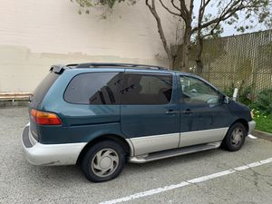 1999 Toyota Sienna Minivan XLE -Clean Title- Runs Excellent for Sale in San Francisco, CA