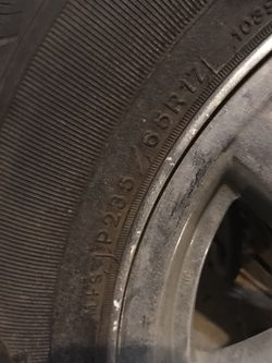 Free Jeep Tire And Wheel for Sale in Toppenish,  WA
