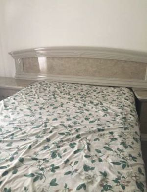 Four piece bedroom set for Sale in Springfield, VA