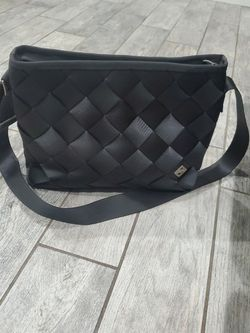Gray Messanger Maggie Seatbelt Bag for Sale in Buena Park,  CA