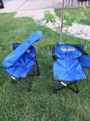 kids chair for both for Sale in Round Lake Heights, IL