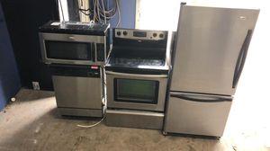 Bottom freezer kitchen appliance set for Sale in Winter Park, FL