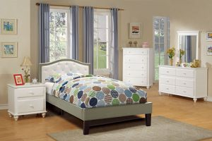 Beautiful Full & Twin Bed Set( Bed Frame, Nightstand, Dresser) for Sale in Fresno, CA