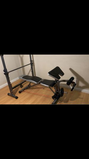 Workout bench with bar for Sale in Fontana, CA