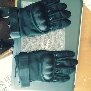 New motorcycle gloves for Sale in Fairfax, VA