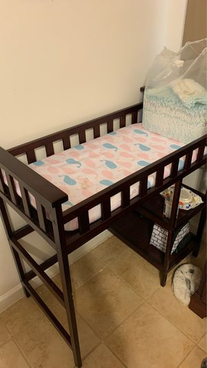 Baby crib and changing table for Sale in Jonesboro, GA