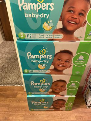 pampers diapers size 5 for Sale in Renton, WA