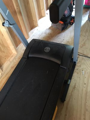 Golds Gym Treadmill in excellent condition. 275.00 dollars for Sale in Colonial Heights, VA