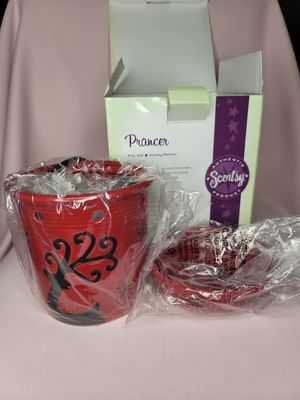 Prancer Scentsy wax warmer for Sale in Portland, OR