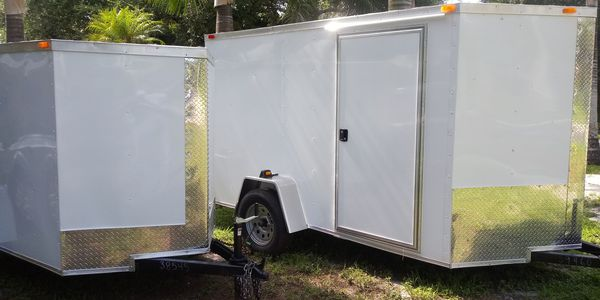 5x8 trailer enclosed. New 2020 modle