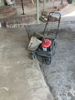 Honda lawn mower for Sale in Fort Worth, TX