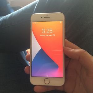 iPhone 8 Unlocked 64gb w Charger & Headphones for Sale in Falls Church, VA
