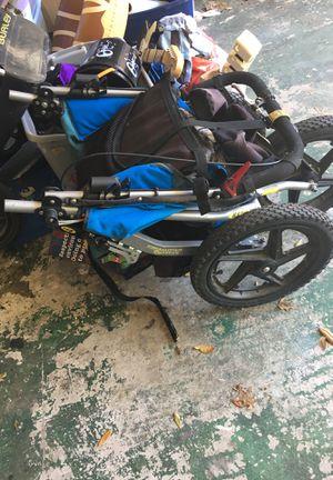 Old single fixed wheel BOB stroller for Sale in Austin, TX