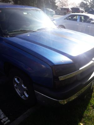 Chevy silverado 04 for Sale in Gaithersburg, MD