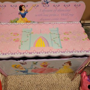 Princesses Toy Box Wood for Sale in Newington, CT