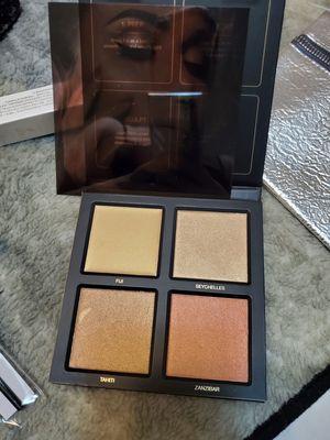 HUDA BEAUTY HIGHLIGHT PALLET makeup for Sale in Oklahoma City, OK