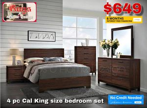 4pc CK Bedroom Set for Sale in Tulare, CA