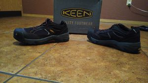 Keen Stealtoe shoes, good work boots: Size is 10 in a half for Sale in Las Vegas, NV